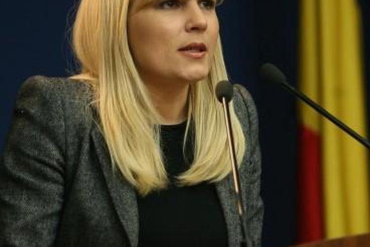 Telegondola de la Vulcan s-a stricat in timp ce era inaugurata de Elena Udrea