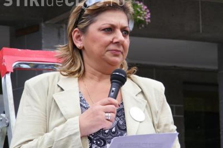 """Lucia Cojocaru, lider SLIPC Cluj: """"Profesorii nu isi vor incasa salariile in noiembrie si decembrie pentru ca nu sunt bani"""""""