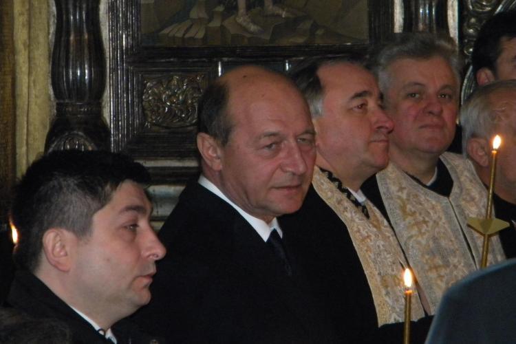 Traian Basescu s-a rugat la catafalcul lui Bartolomeu! - VIDEO si FOTO