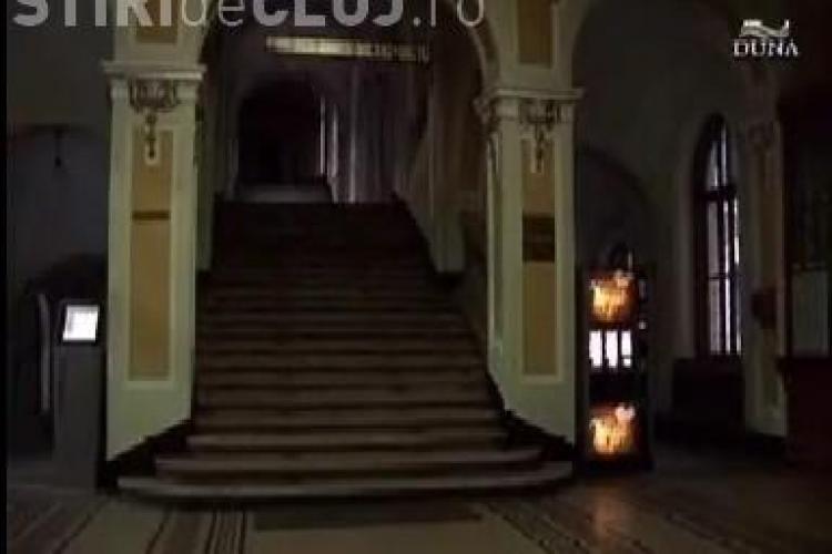 Placuta in limba maghiara, amplasata in UBB Cluj in cadrul unui concurs lansat de Comitetul de Initiativa Bolyai! -  VIDEO