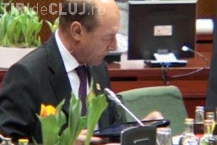 Basescu si-a cumparat iPad - VIDEO