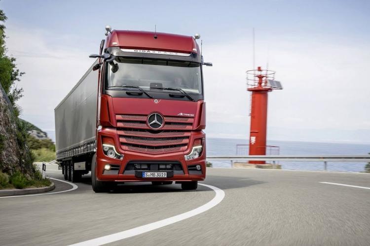 Şofer român de TIR, condamnat la 5 ani de închisoare după ce a fost prins cu aproape o tonă de canabis în camion