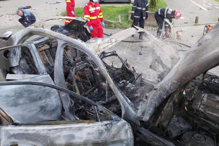 Mașina unui afacerist din Arad a explodat. Ioan Crișan a murit pe loc - VIDEO și FOTO