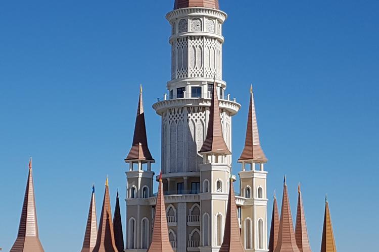 The Land Of Legends Antalya, cel mai mare parc de distracții din Europa de Est. Dacă vrei și mare, stai la Rixos Premium Belek  - VIDEO și FOTO