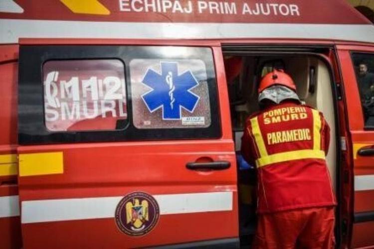 Accident rutier cu 8 victime la Cluj. Un microbuz s-a răsturnat - FOTO