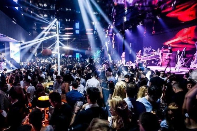 Cluburile se deschid de la 1 iunie. La fel și barurile și discotecile pentru cei vaccinați