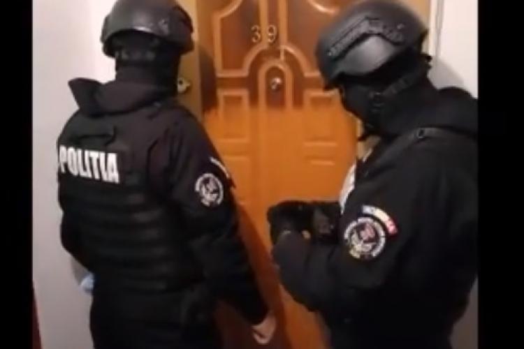 Percheziții la traficanți de droguri din Cluj, Alba și Brașov. Cinci au fost reținuți - VIDEO