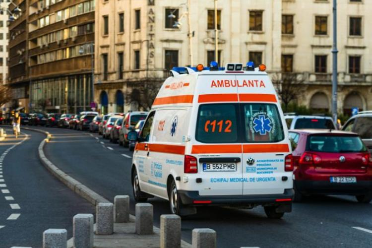 COVID România: 300 cazuri noi de infectare. Numărul pacienților în stare gravă de la ATI a scăzut