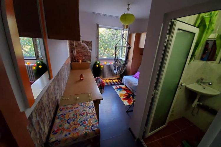 """Cluj: """"Garsonieră"""" de 11 mp, dată în chirie la preț de apartament cu 2 camere - FOTO"""