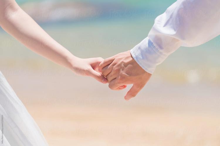 Doi tineri din Ucraina s-au încătușat ca să fie siguri că nu se despart până la nuntă