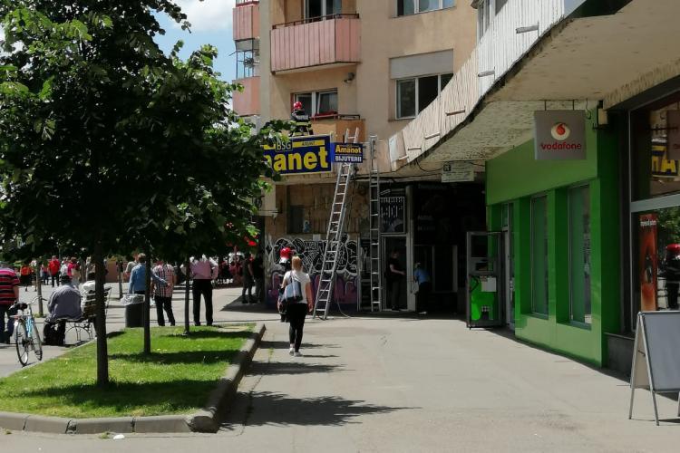 Incendiu într-un apartament din Piața Mărăști, în care se făceau lucrări de renovare - FOTO