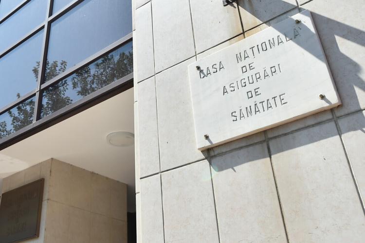 Românii se vor putea trata la privat cu banii dați la CNAS. Guvernul urmează să adopte o nouă OUG