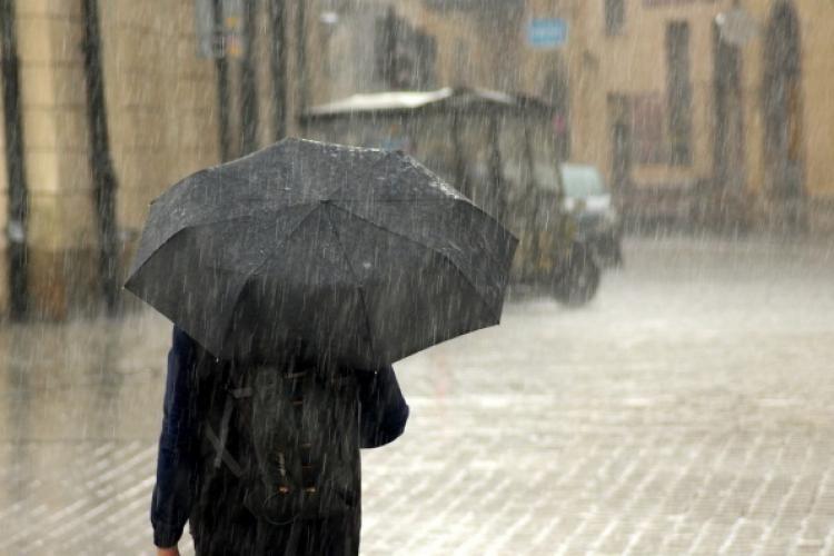 METEO: Vremea în luna iunie va fi mai rece decât ar fi normal. Ploi torențiale pentru 3 săptămâni consecutiv