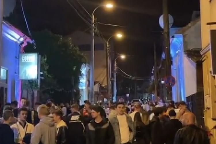 Cluj: Zeci de tineri sărbătoresc ridicarea restricțiilor pe Piezișă - VIDEO