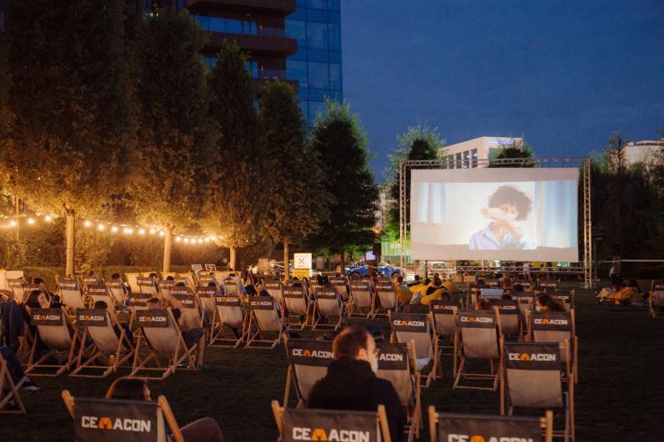 """Vineri seara e vizionare de film în Iulius Parc. """"Ford vs Ferrari"""" este primul film care poate fi văzut gratuit"""