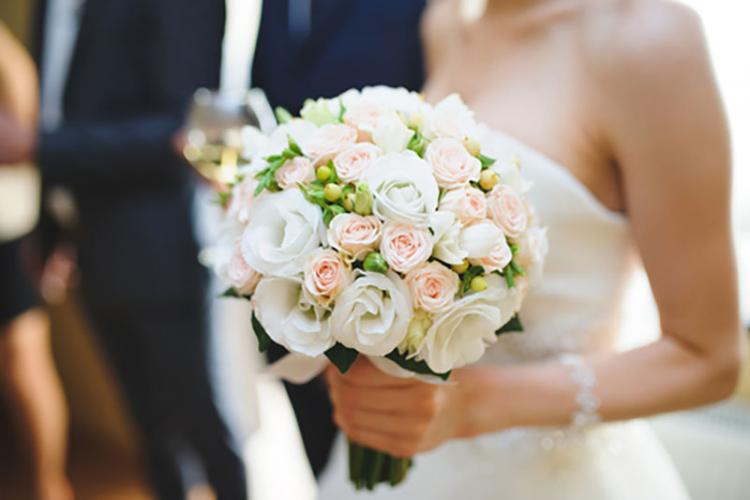 Deși se dă liber la nunți în diverse tipuri de localuri, petrecerile acasă rămân interzise