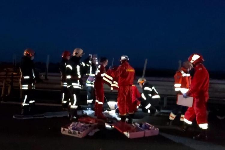 Accident GRAV la Arad, la ieșire din România spre Ungaria, cu un mort și 16 victime - VIDEO și FOTO