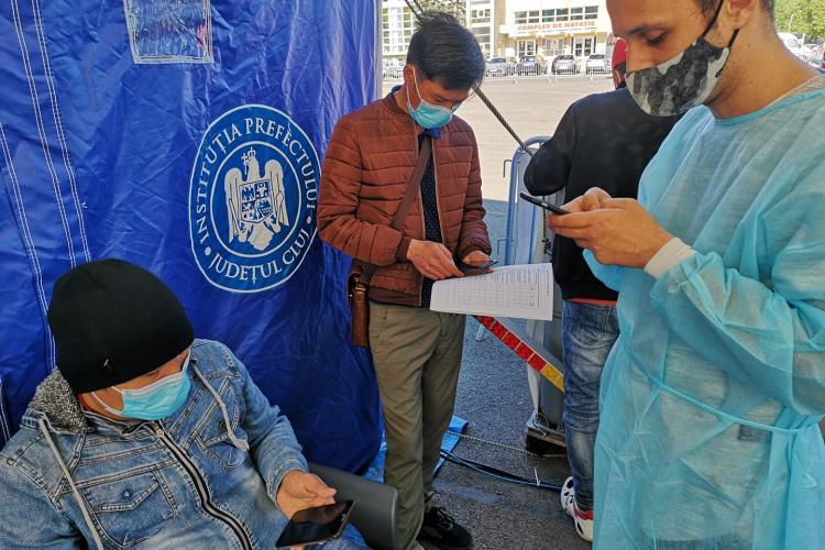 Cluj: Relatare AMUZANTĂ de la vaccinarea Drive Through din Cluj-Napoca