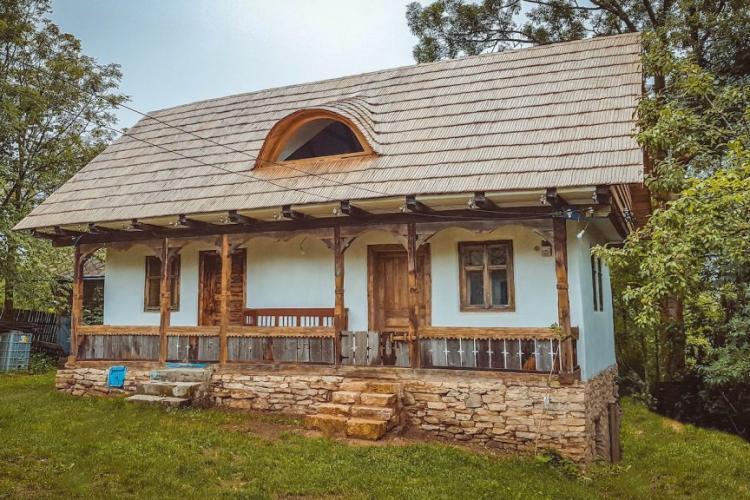 Casa de vacanță à la Cluj, al cărei decor e ca o turtă dulce - FOTO