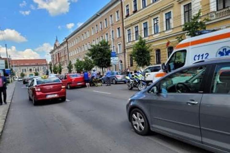 Accident în Piața Avram Iancu! Un copil de 12 ani a fost lovit în timp ce traversa strada