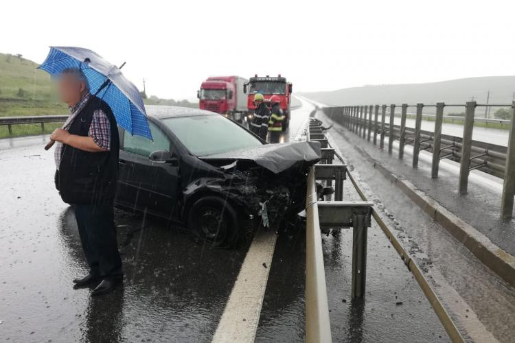 Accident pe Autostrada Transilvania. S-au tamponat pe ploaie - FOTO