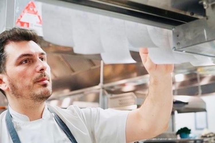 Primul bucătar român cu stea Michelin își deschide un restaurant la Cluj