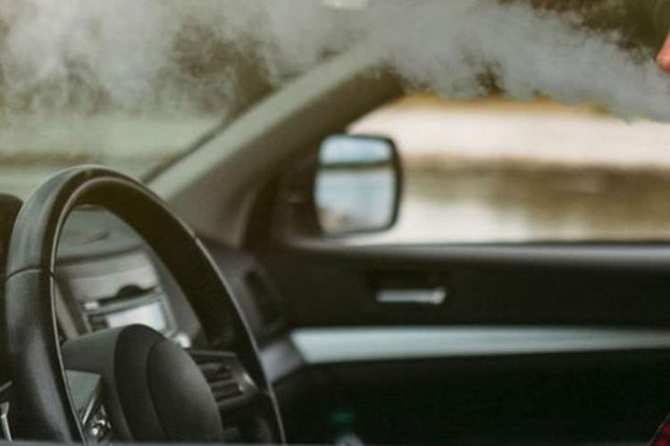 Cluj: Un bărbat s-a urcat beat și drogat la volan și a făcut accident