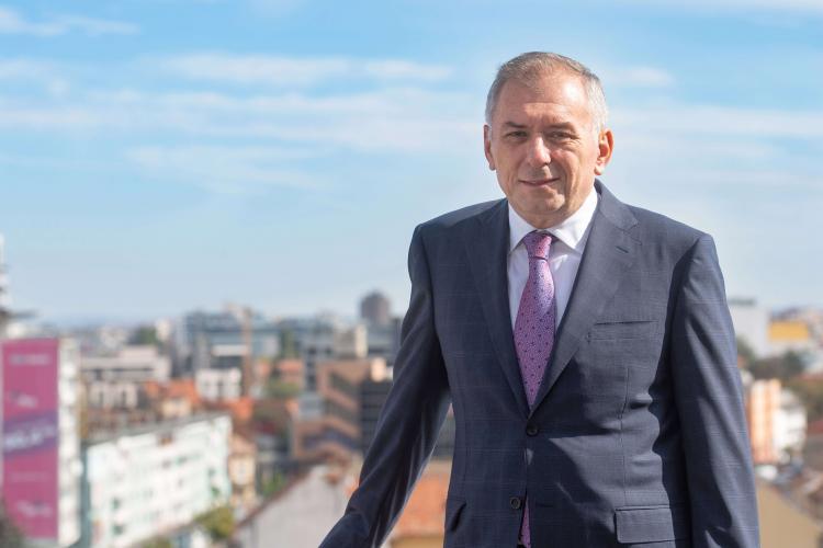 Banca Transilvania cumpără Idea::Bank şi restul companiilor cu brandul IDEA în România