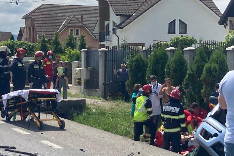 O gravidă a murit într-un accident produs între Dej și Bistrița - VIDEO cu impactul devastator