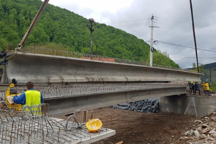 Lecție pentru Cluj! Bolojan a dat afară 80 de bugetari și, din economii, a finanțat un pod