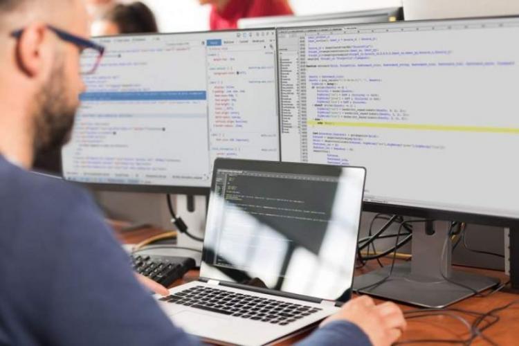 IT -ul salvează industria Clujului, care nu mai prea există