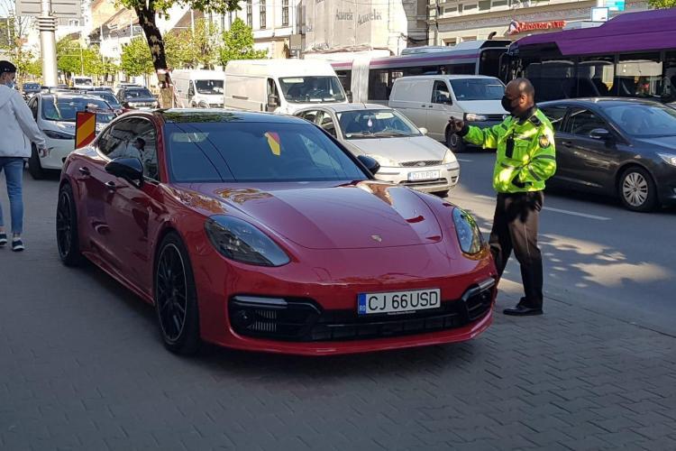 """Poliția locală Cluj-Napoca, ironizată de un fost șef din Poliția Cluj: E jenant să îi vezi cu haine de polițiști. Să scrie pe ei """"PARKING"""""""