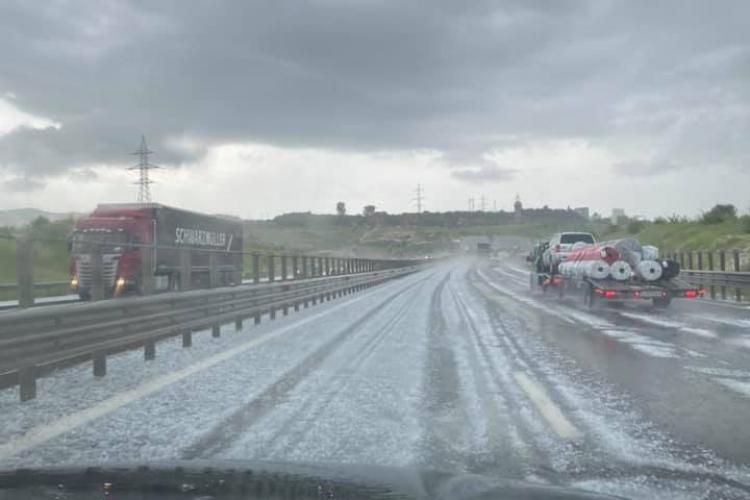 Autostrada Transilvania acoperită cu gheață ca iarna - FOTO