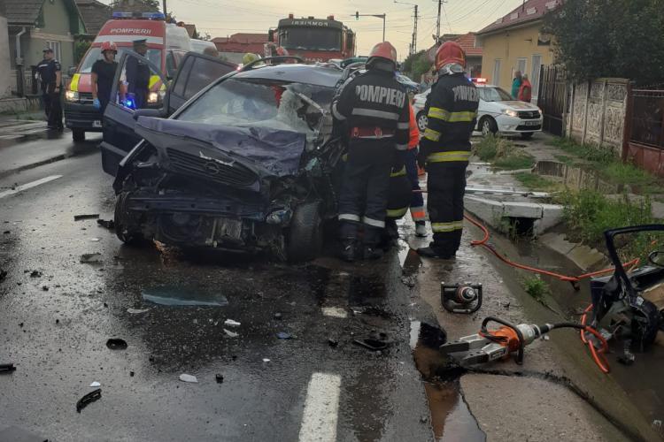 Accident la Luncani! Mașinile sunt făcute praf - FOTO
