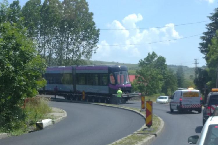 Un tramvai MOV a blocat DN1 E60 între Huedin și Cluj, la Păniceni - FOTO