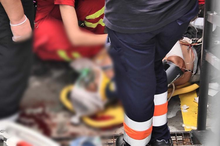 O clujeancă s-a SINUCIS în cartierul Între Lacuri. S-a aruncat de la etajul 7 al unui bloc de pe strada Streiului