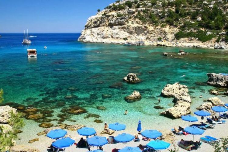 Turismul din Grecia, afectat de varianta Delta. Politica privind călătoriile ar putea fi revizuită