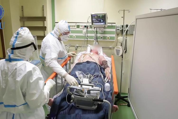 Mai puțin de 100 de pacienți cu COVID-19 au rămas internați la Cluj