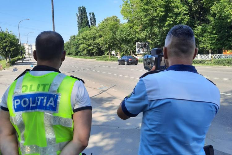 Cluj: Șoferii vitezomani au rămas și fără carnet și fără bani în buzunar. S-au împărțit sute de amenzi - FOTO