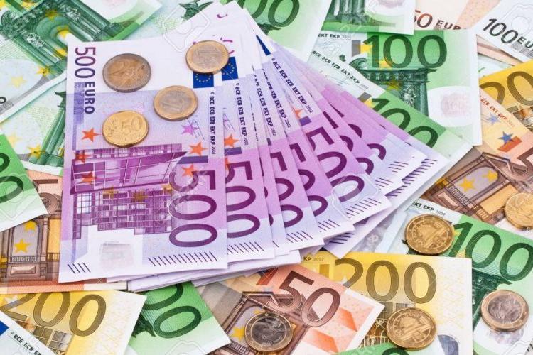 EURO va trece de 5 lei. Cresc prețurile și dobânzile - Ce spun analiștii