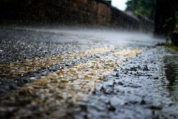Vremea în Cluj! COD PORTOCALIU de furtuni severe și grindină la Cluj, până sâmbătă dimineață