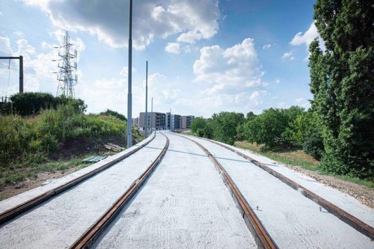 Oradea extinde liniile de tramvai, Clujul nu poate - FOTO