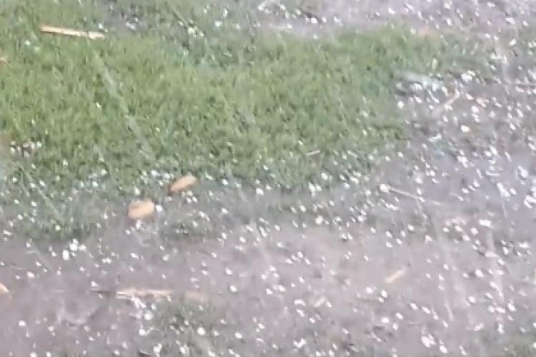 Grindina a făcut pagube la Gilău - VIDEO