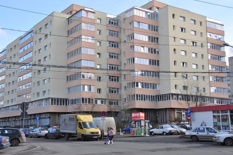 TRAGEDIE în Mănăștur! Un bărbat a MURIT după ce a căzut de la etajul unui bloc