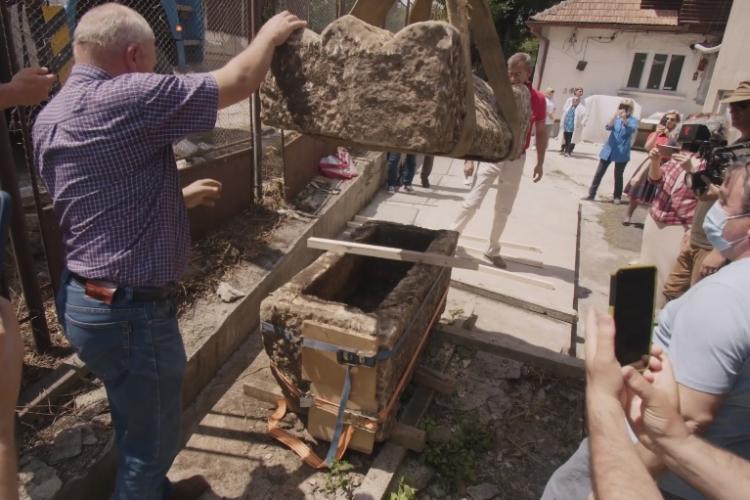 Sarcofag roman intact descoperit în fața Clinicii Stanca, pe Bulevardul 21 Decembrie 1989 - VIDEO