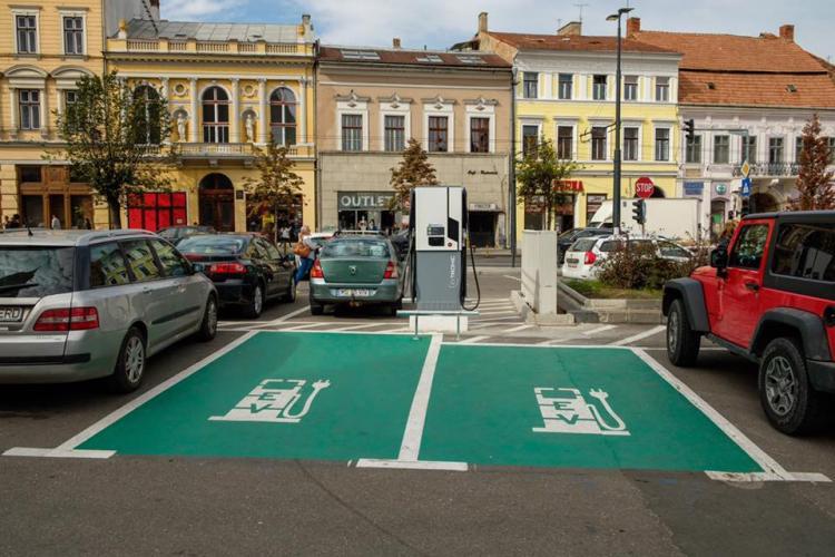 Cluj-Napoca, în topul orașelor din România cu cele mai multe stații de încărcare pentru mașinile electrice