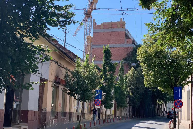 """O nouă clădire """"SUPERBĂ"""" în centrul Clujului, orașul oamenilor, nu al construcțiilor și intereselor imobiliare - FOTO"""