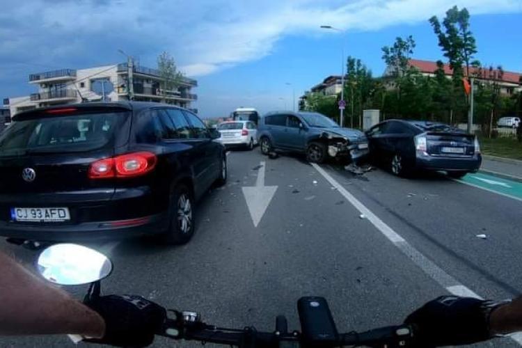 Cluj: Accident în lanț pe strada Bună Ziua! Sunt patru mașini implicate - VIDEO