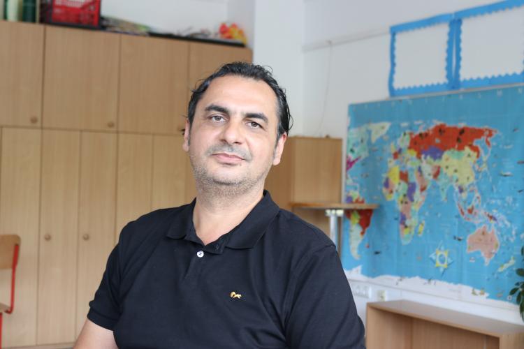 """Cosmin Gheorghe, profesor de psihologie în SUA, a vorbit la Cluj despre """"copiii răsfățați"""" și părinții care le cumpără iPhone"""