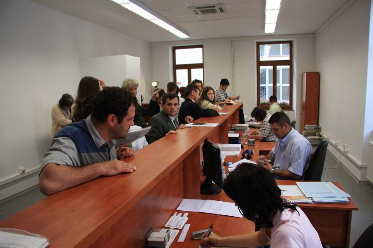Boc le ia apărarea angajaților de la stat: Ei duc Clujul mai departe. Muncesc fără să se uite la ceas